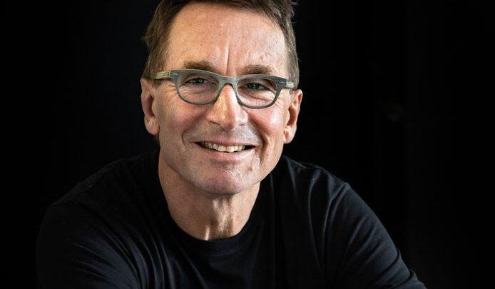 Dr. Erik Matser